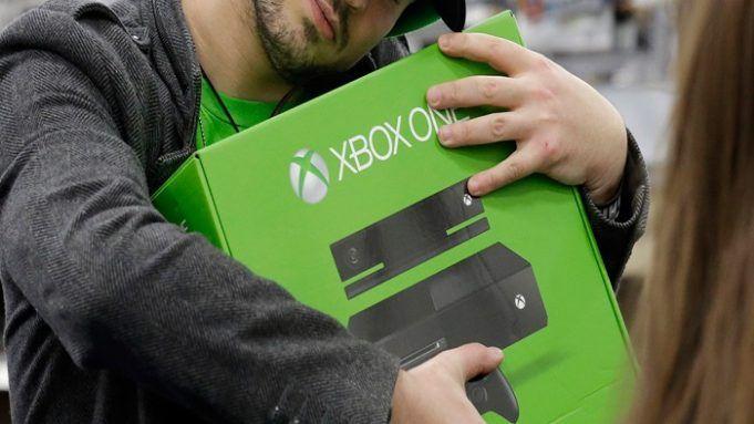 Hug Xbox One